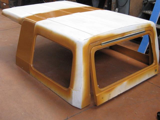 5. Le hard-top arrive du regarnissage intérieur et la peinture.